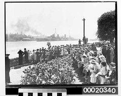 Crowds awaiting HMAS SYDNEY (II) after returning from service in the Mediterranean, near Admiralty House (Kirribilli) prior to mooring at Circular Quay, February 10th 1941 | by Australian National Maritime Museum on The Commons