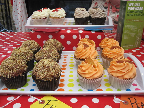 Vegan Ferrero Rocher and Peachy Keen Cupcakes | by veganbackpacker