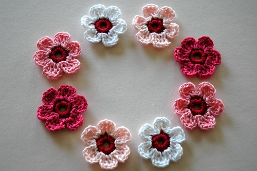 Crochet Applique Flowers | by AnnieDesign