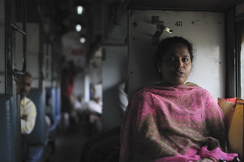 In the train, New Dehli to Agra | by lozim3