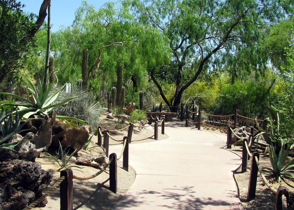 Ethel M. Chocolatesu0027 Factory And Botanical Cactus Garden | Flickr