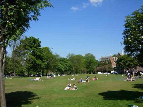Summer in the city | Blue skies over Bruntsfield Links ...