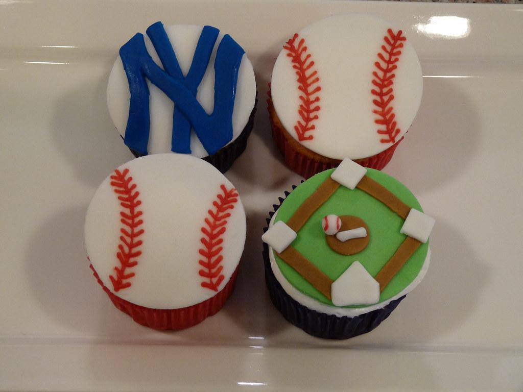 Baseball theme cupcakes 001 frostedbites Flickr