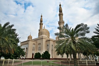 Jumeirah Mosque | by PhareannaH[berhabuk]