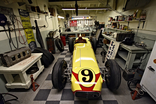 Indianapolis motor speedway hall of fame museum intiaz for Indianapolis motor speedway museum
