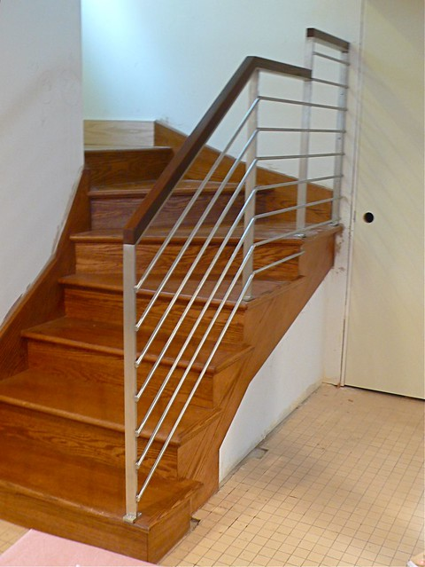 ... Fabrication Of A Modern Custom Stainless Steel Stair Railing In Chicago  :: Polished Stainless Steel