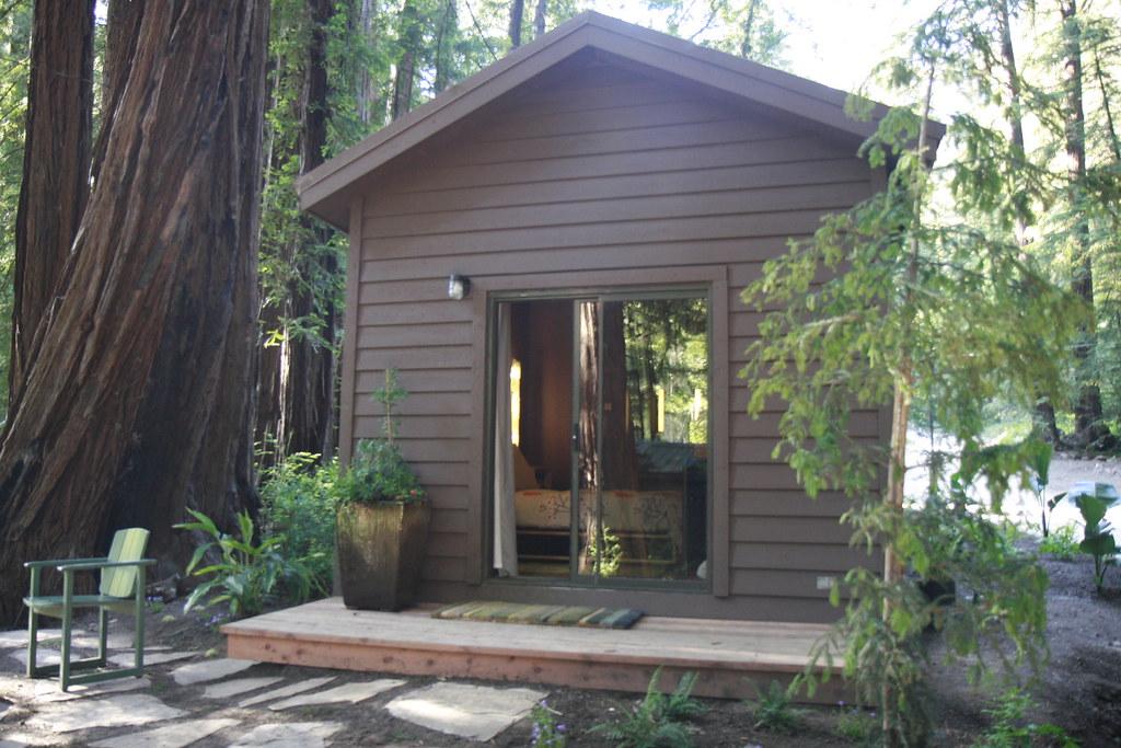 ... Glen Oaks Big Sur Cabin   By Kozyndan