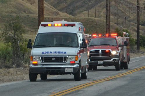 AMERICAN MEDICAL RESPONSE (AMR) AMBULANCE & LOS ANGELES COUNTY FIRE DEPARTMENT (LACoFD) SQUAD | by Navymailman