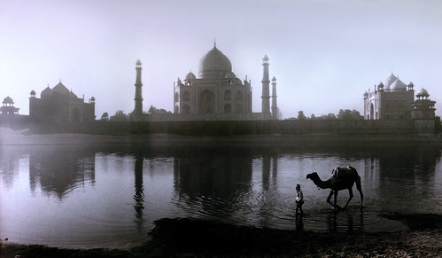 1710 The Taj Mahal as seen from the banks of  the Yamuna River--Agra , India | by ngchongkin