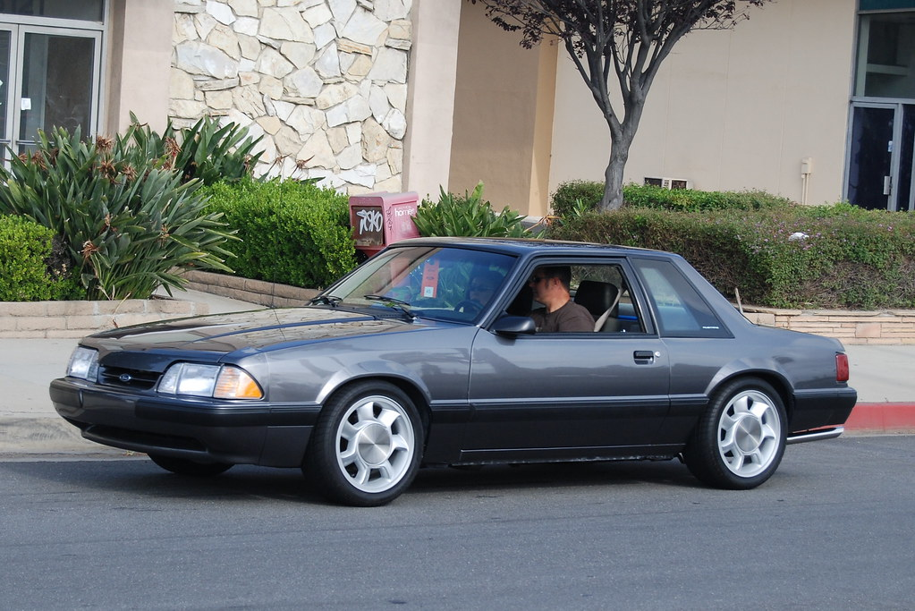Ford Mustang 5 0 Lx Foxbody Coupe With 1993 Svt Cobra Whee Flickr