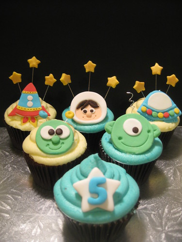Sample Cupcakes for a space theme birthday | These are ...