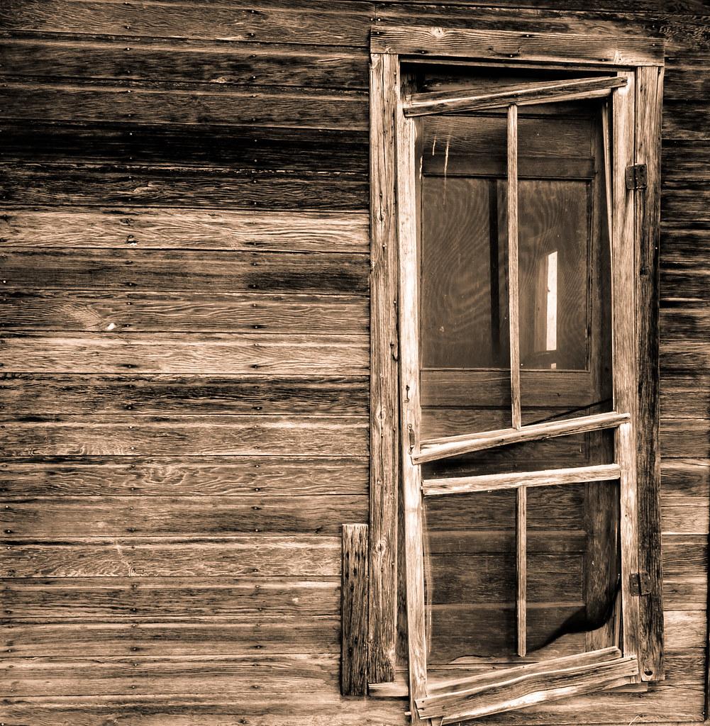 Screen Falling Off The Door Door Hanging Off The Hinges Flickr