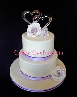 2 tier wedding cake with sugar roses crafty confections flickr. Black Bedroom Furniture Sets. Home Design Ideas
