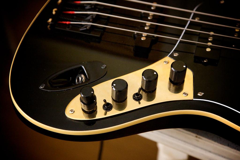 Custom Fender Aerodyne Jazz Control Plate