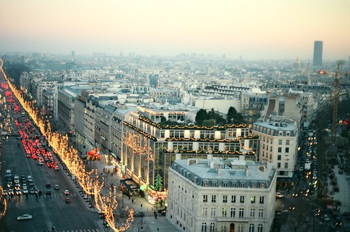 .1. //60g/6k/6495/221.f/1g - View of Champs Elysees from the Arc de Triomphe  / Christmas in Paris 1996 | by EuroVizion