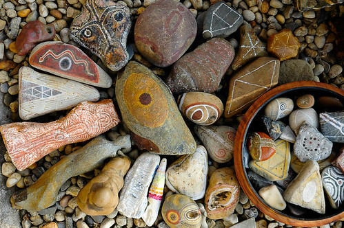 stones decorated with symbols 1 | by Jos van Wunnik