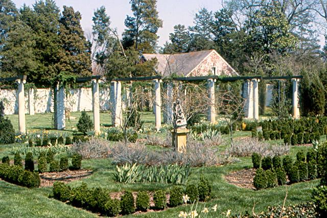 Fredericksburg - Garden at Chatham Manor | The garden at Cha… | Flickr