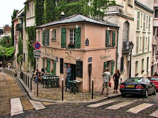 Montmartre le maison rose la maison rose pink house for Eugenie les bains la maison rose