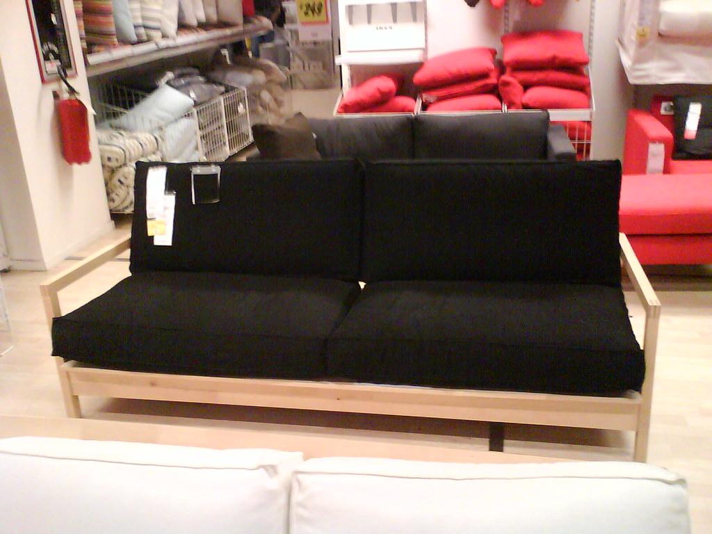 Divano Nero Ikea : Divano nero due cuscini tre posti ikea un divano a tre posu flickr