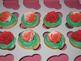 Alice in Wonderland themed cupcakes - Painting the Roses red | by kgroovy
