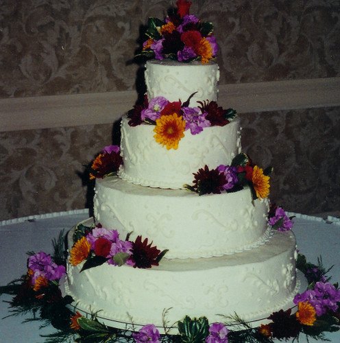 Four Tier Cake In Cellopahne