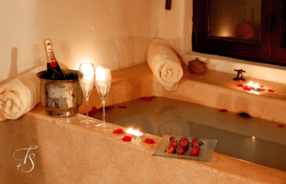 Heart Tub for a Romantic Bath with a Romantic person | Funny Unit ...