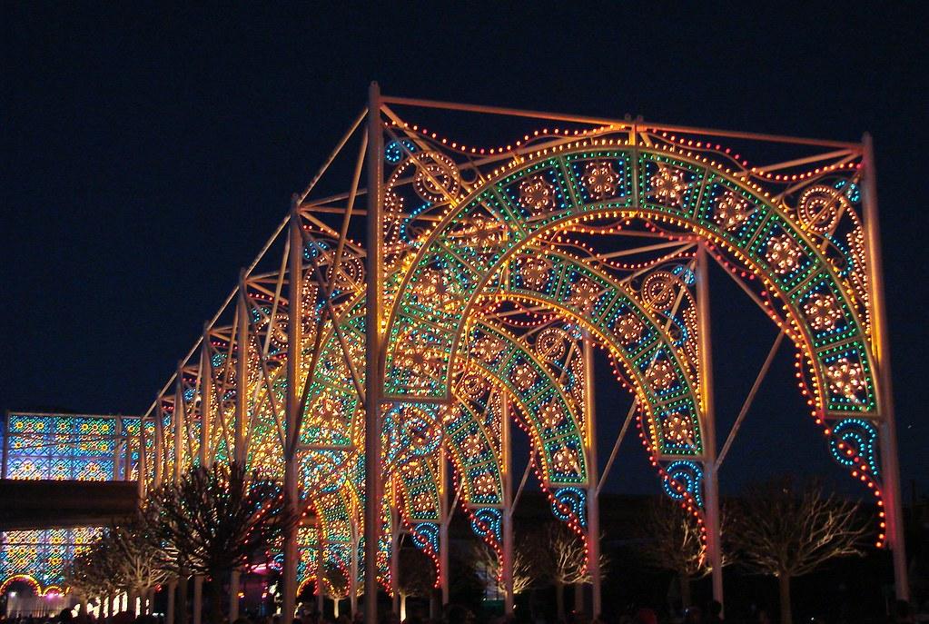 epcot arch in christmas lights by paulakoala