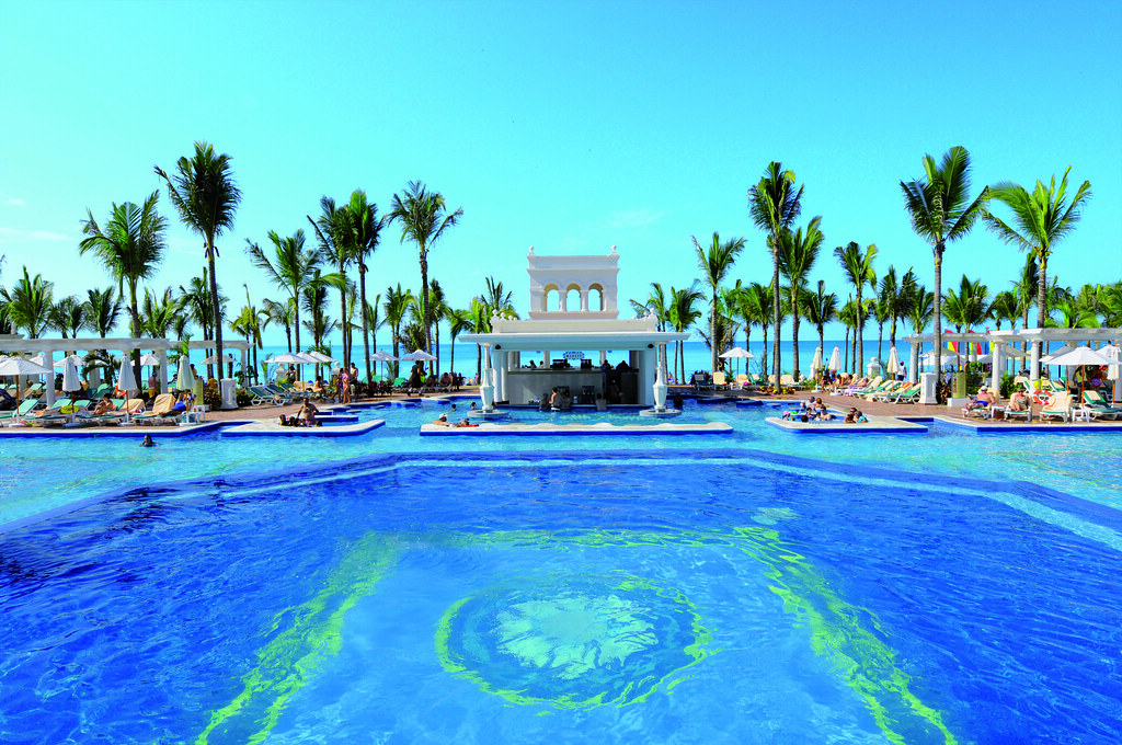 Riu palace pacifico puerto vallarta mexico pool bar flickr riu palace pacifico puerto vallarta mexico pool bar by riu hotels resorts thecheapjerseys Choice Image