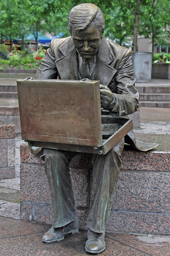 Double check artist seward aka john seward johnson ii for John seward johnson i