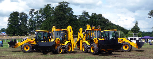 Dancing Diggers at The Cholmondeley Pageant of Power | by Nikki-ann
