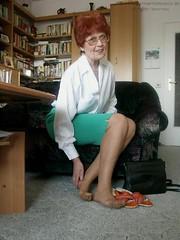 Grannys in nylons