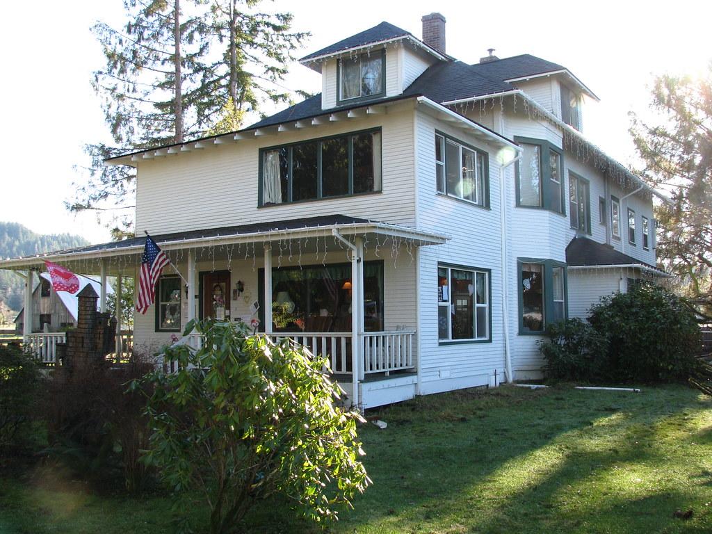 ... Cullen House in Forks Wa | by fruitbat820 & Cullen House in Forks Wa | Julie Noga | Flickr