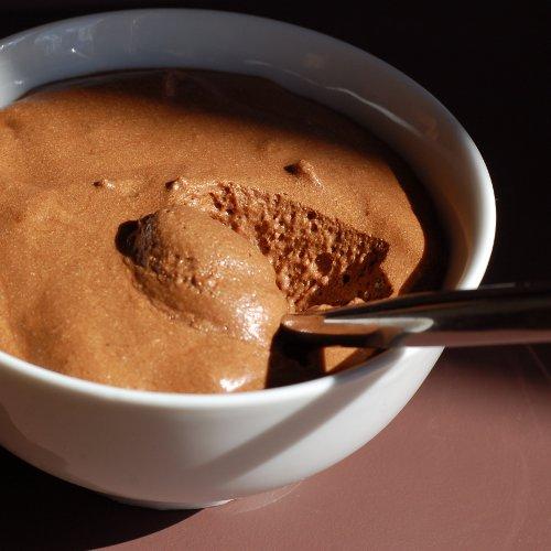mousse au chocolat 2 ufs 2 eggs 100 g de chocolat noir flickr