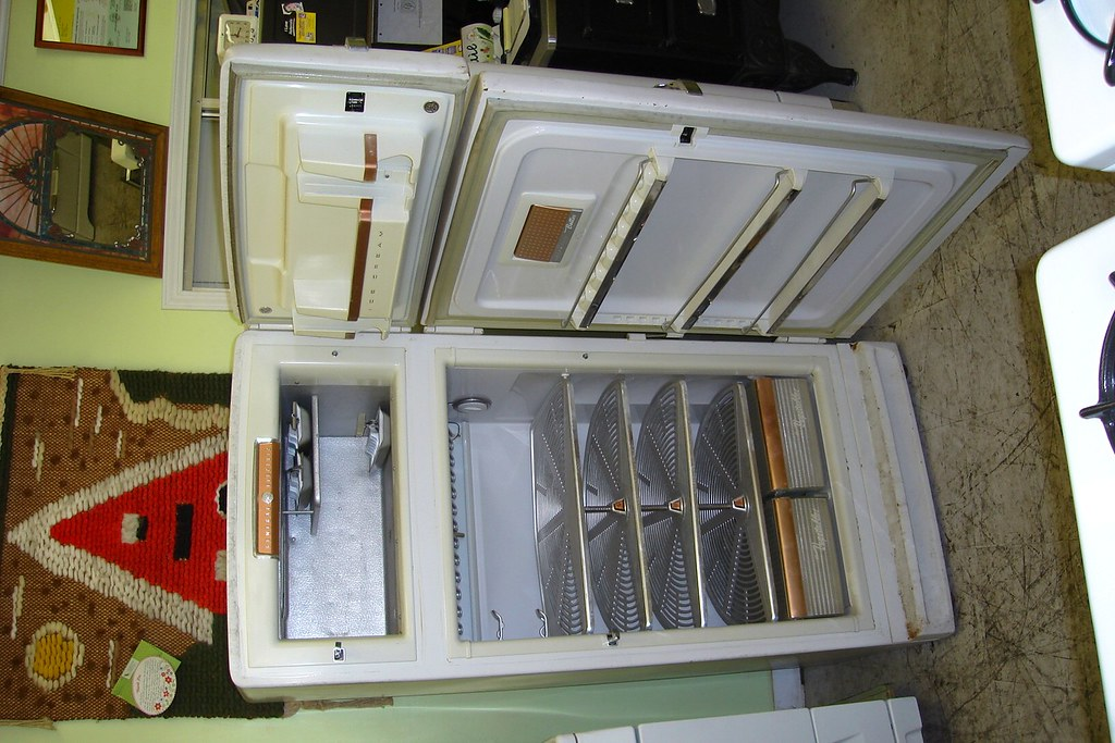 1950's General Electric Refrigerator | Lazy Susan style