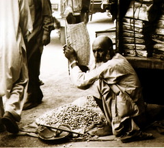 the peanut seller of peshawar | by maree.