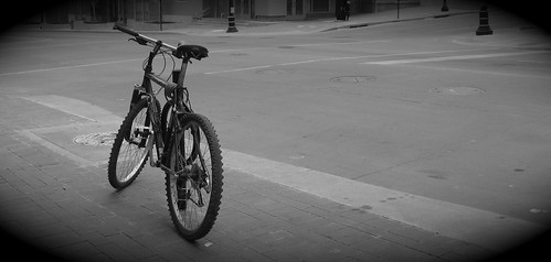 Lonely Bike at Cosentino's Market | by KC-Bike