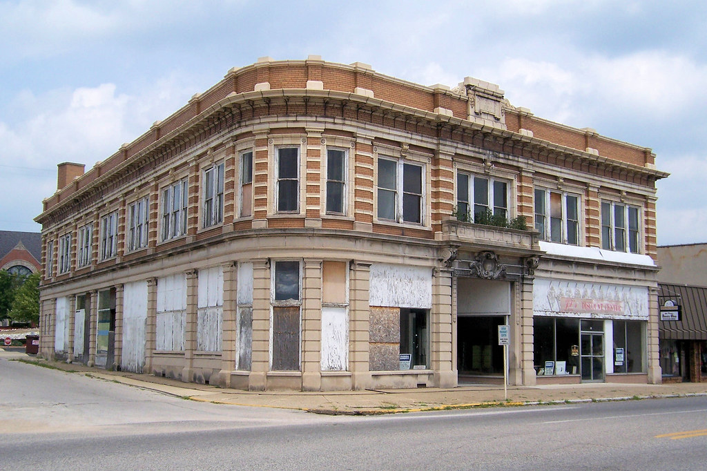 1909 DH Davis building, Brazil, IN