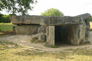 Bajouliere Dolmen entrance | by catb -