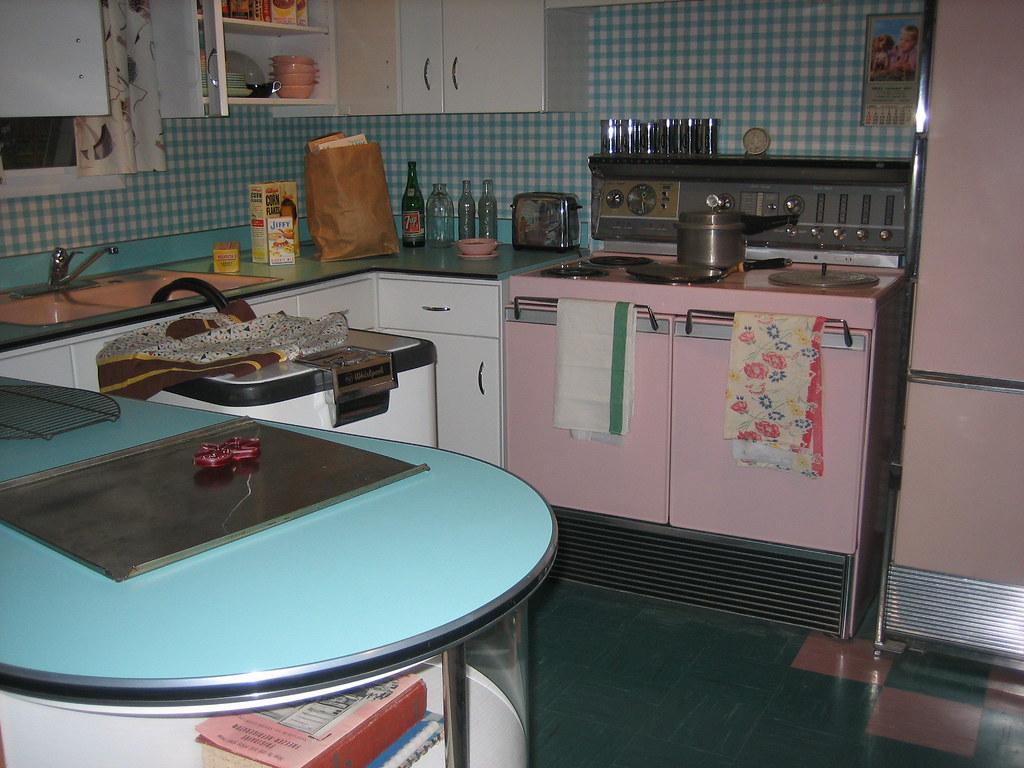 Vintage Kitchen Display | By Reclark Vintage Kitchen Display | By Reclark
