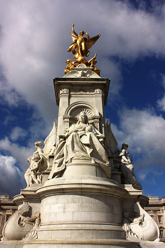 Queen Victoria Memorial | by iNelsonRocha
