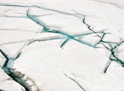 Cracking ice with blue water | by Martin Ystenes - hei.cc