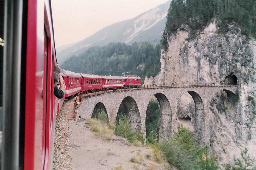 The Landwasser Viaduct 瑞士 冰河列車