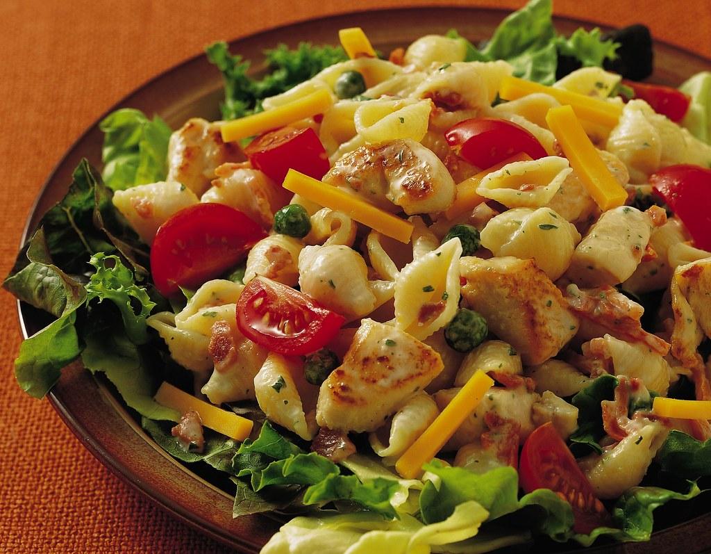 Club Pasta Salad | 1 package Betty Crocker® Suddenly Salad® … | Flickr