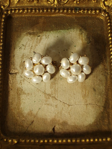 Vintage Gathered White Oval pearl Trifari clip-on earrings | by vestedbee