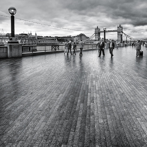 Queens Walk | by Nick Holland