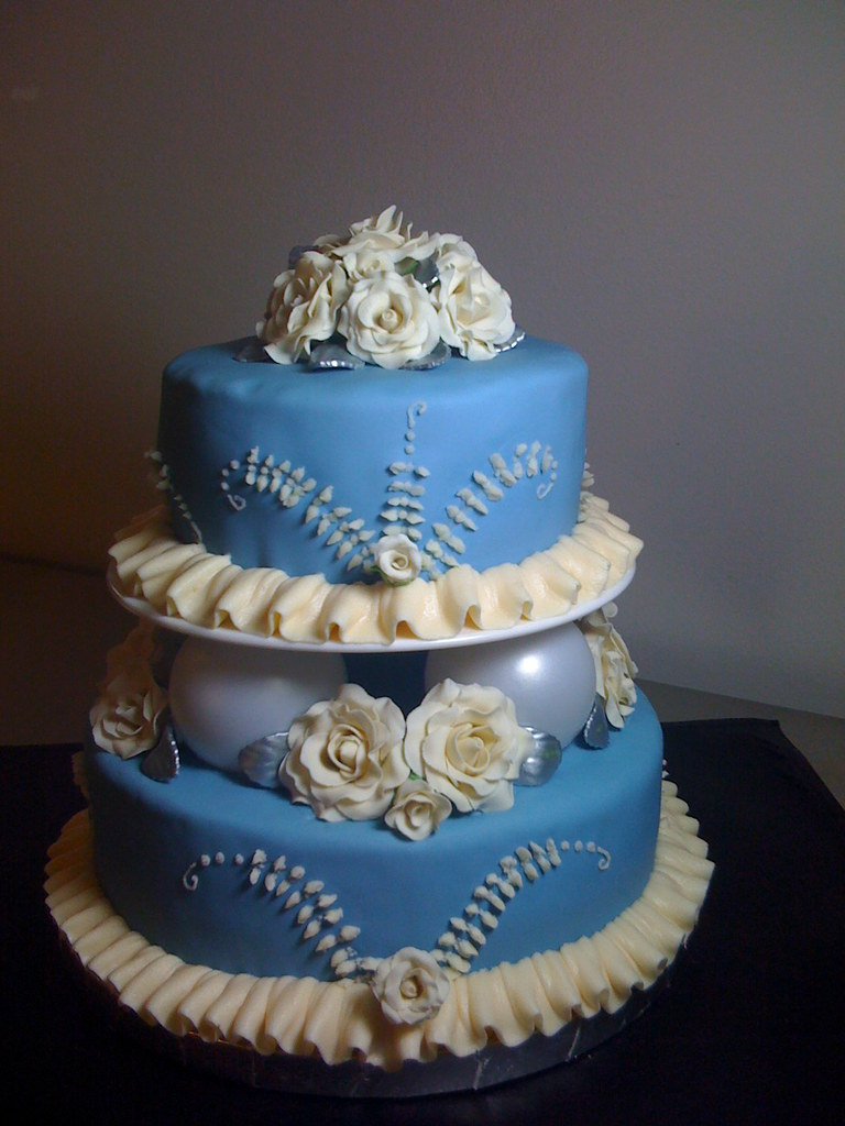 Wedgwood Design 2-Tier Wedding Cake | Inspired by the iconic… | Flickr