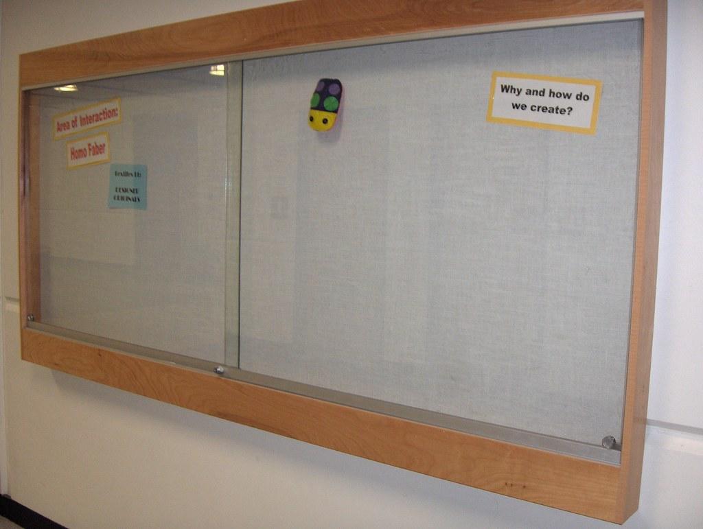 0043 Wall Mounted Display Board Glass Doors Chilliwack School
