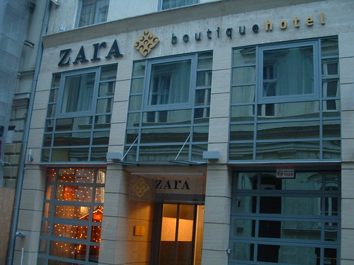 Zara boutique hotel budapest this hotel is located near for Zara hotel budapest