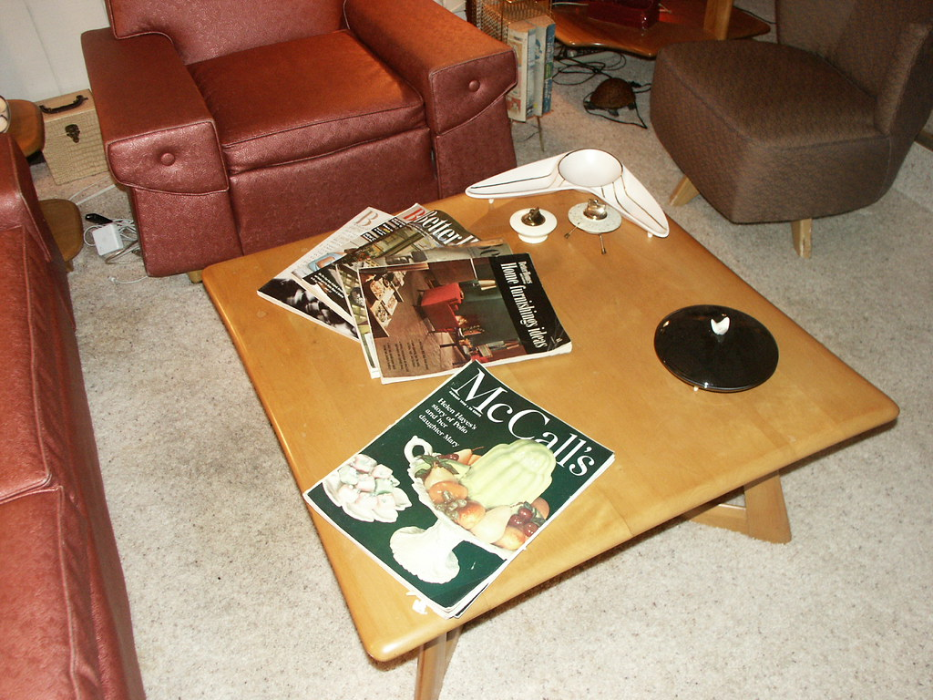 - Heywood Wakefield Coffee Table With Vintage 1950's Magazin… Flickr