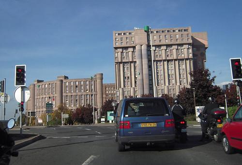 01 noisy le grand immeuble palacio de ricardo b for Immeuble camembert noisy le grand
